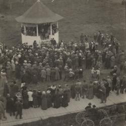 LaFollette Speech Main Street Park in Monmouth