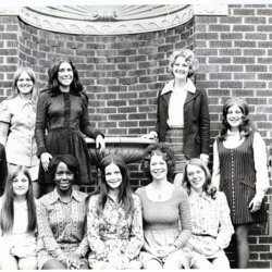 GroupPictures_Homecoming_1972_001.jpg