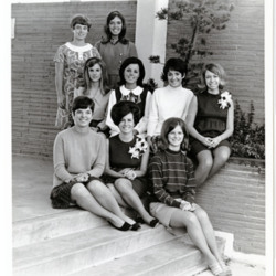 GroupPictures_Homecoming_1969_001.jpg